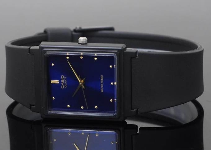 क्या मुझे घड़ी पहननी चाहिए?  मुझे कौन सा रंग पहनना चाहिए, किस तरह का?