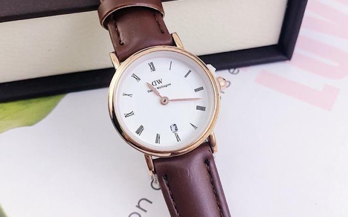 مشاوره در مورد خرید ساعت برای افرادی که مچ دست کوچک دارند