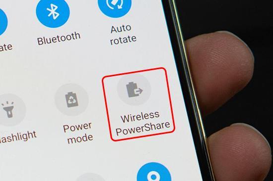 Anweisungen zur Verwendung der drahtlosen Reverse-Charging-Funktion auf dem Galaxy S10