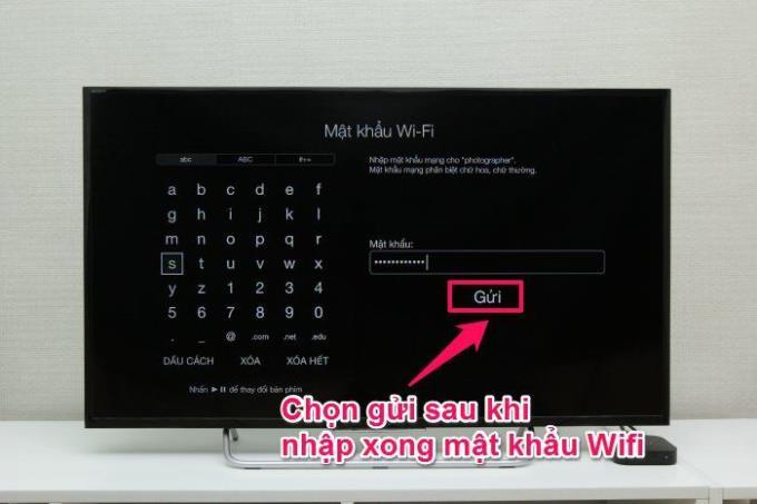 Das drahtlos verbundene AirPlay spiegelt die Bilder des iPhone und Apple TV wider